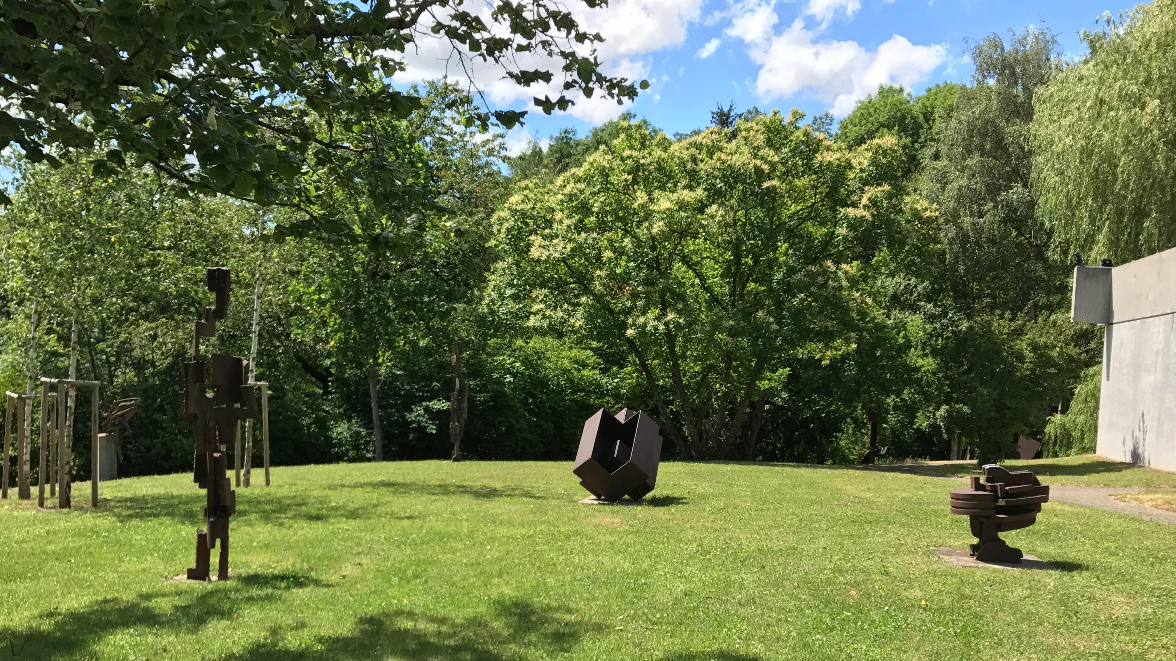 Skulpturen im Garten der Villa Domnick; Foto: Staatsanzeiger für Baden-Württemberg, Petra Schaffrodt