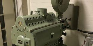 Sammlung Domnick, historischer Filmprojektor der Marke Philips/Sunlite FP5