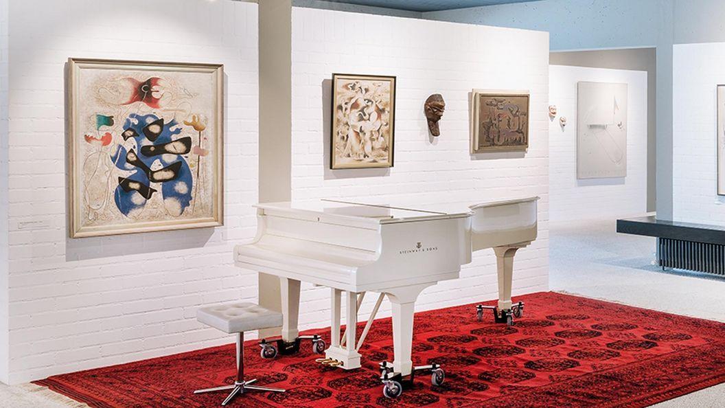 """Drei Werke von Willi Baumeister in der Sammlung Domnick, """"Eidos III"""" von 1939, """"Tertiärgestalt"""" von 1935/39, """"Hadeswächter"""" von 1942"""