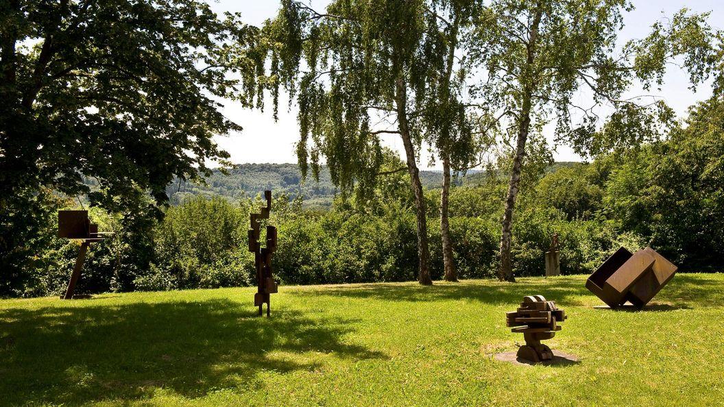 Blick auf die Sammlung Domnick und den Skulpturengarten