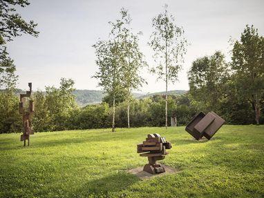 Sammlung Domnick, Figuren im Garten